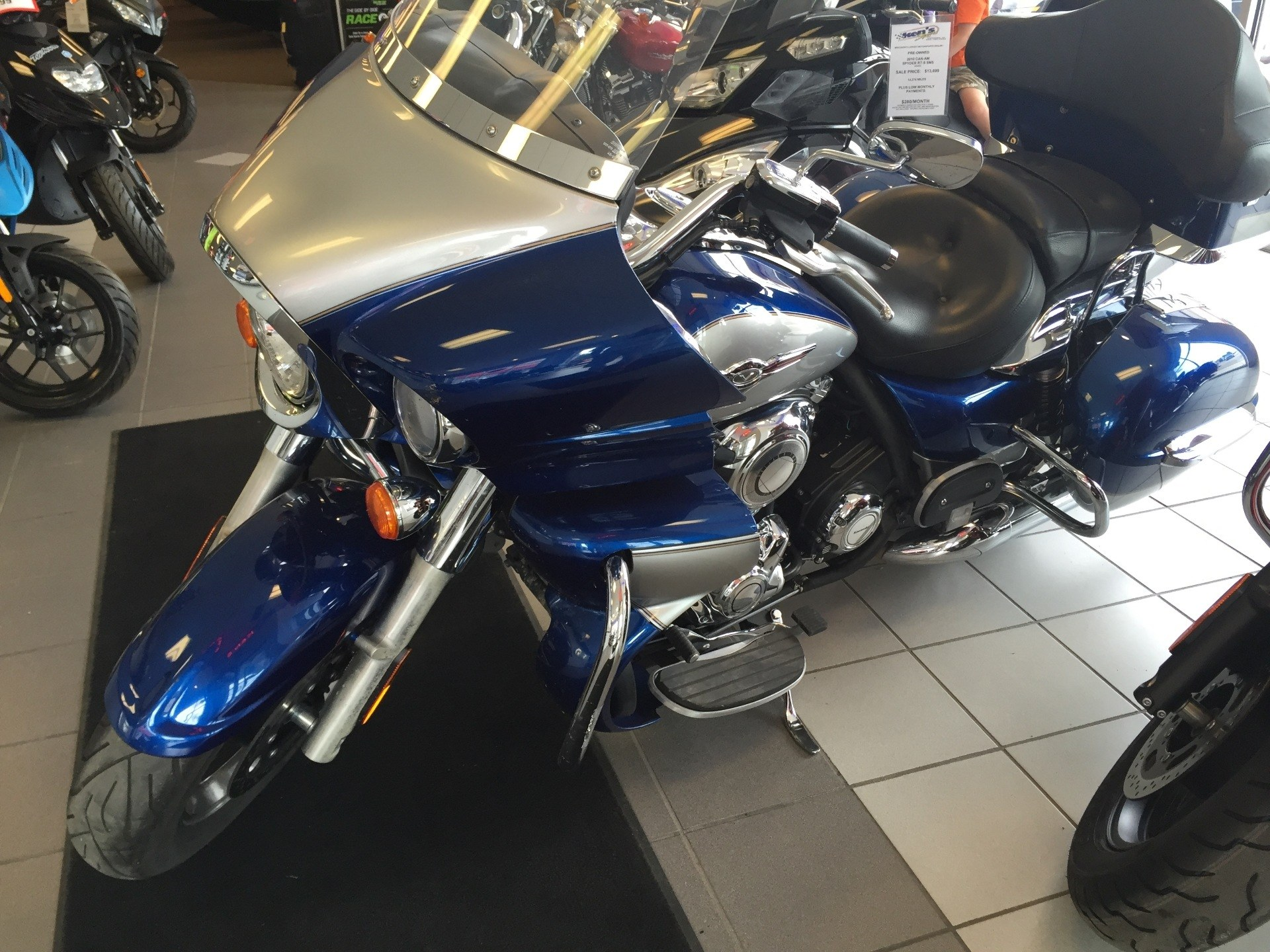 2011 Kawasaki Vulcan® 1700 Voyager® in Kaukauna, Wisconsin