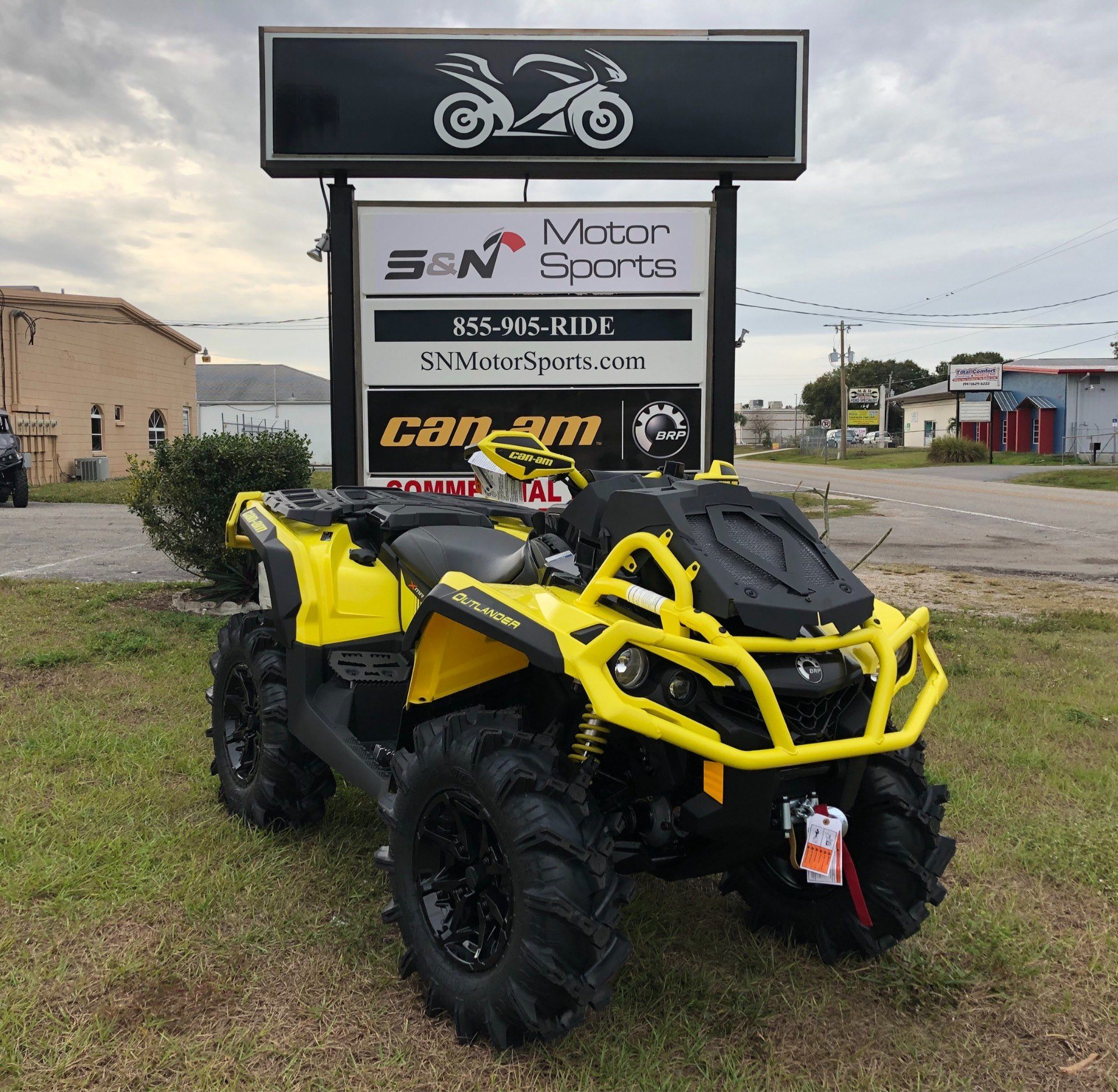 2019 Can-Am™ Outlander X mr 1000R 1