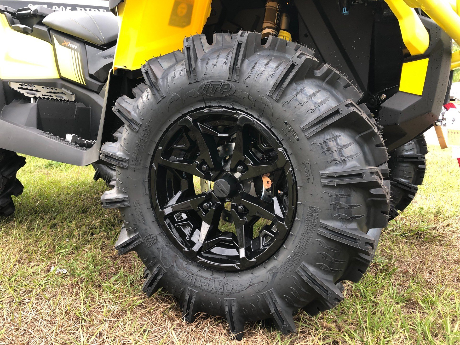 2019 Can-Am™ Outlander X mr 1000R 3