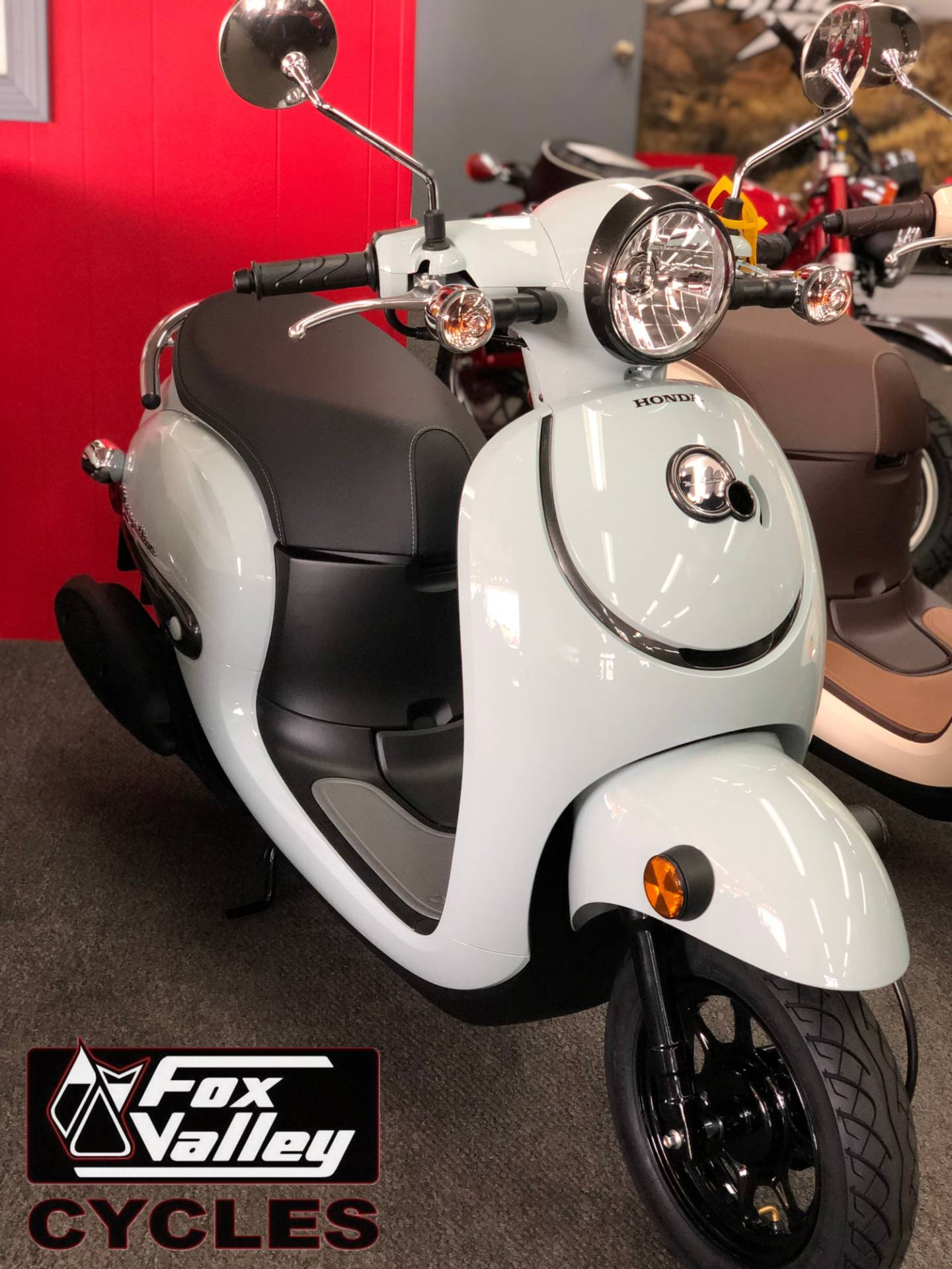 2019 Honda Metropolitan in Aurora, Illinois - Photo 2