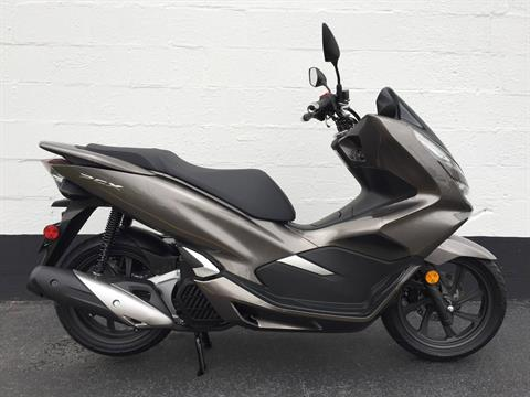 2019 Honda PCX150 in Aurora, Illinois - Photo 3