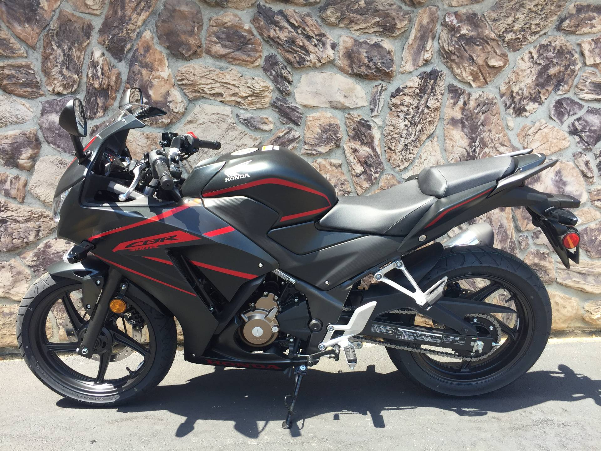 2018 Honda CBR300R in Aurora, Illinois