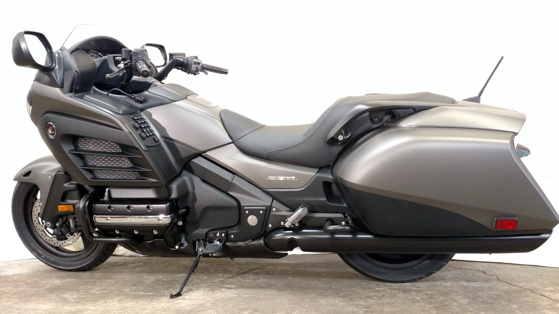 2015 honda gold wing f6b for sale aurora il 515844. Black Bedroom Furniture Sets. Home Design Ideas