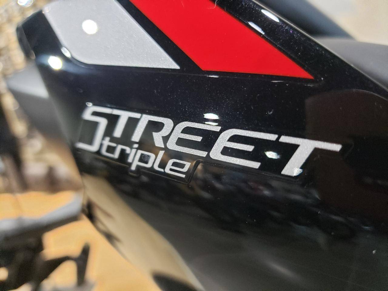 STREET TRIPLE R LRH - Photo 10