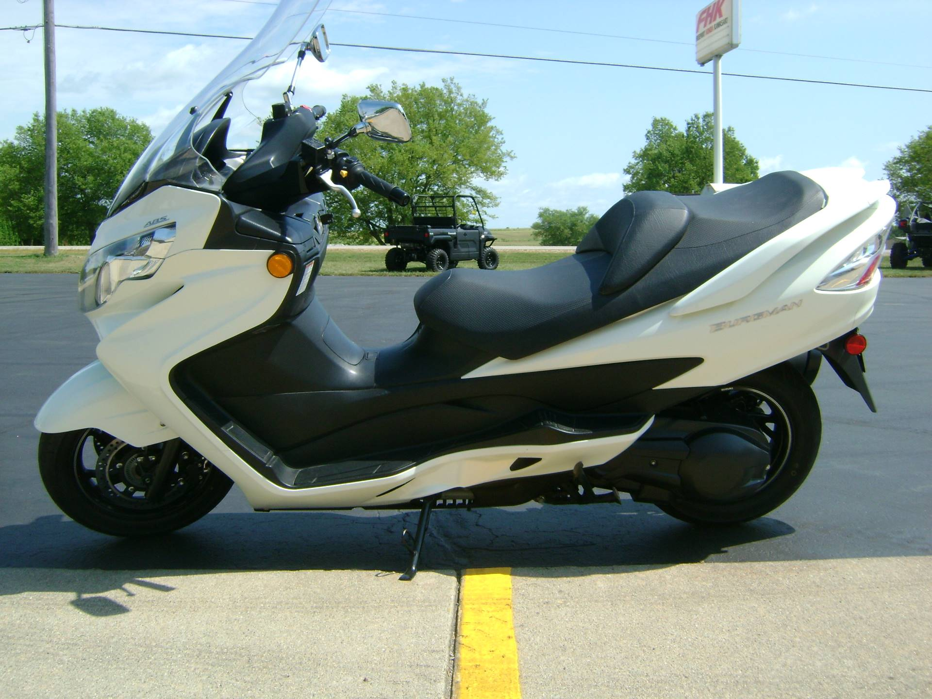2012 Suzuki BURGMAN 400 ABS in Freeport, Illinois - Photo 4