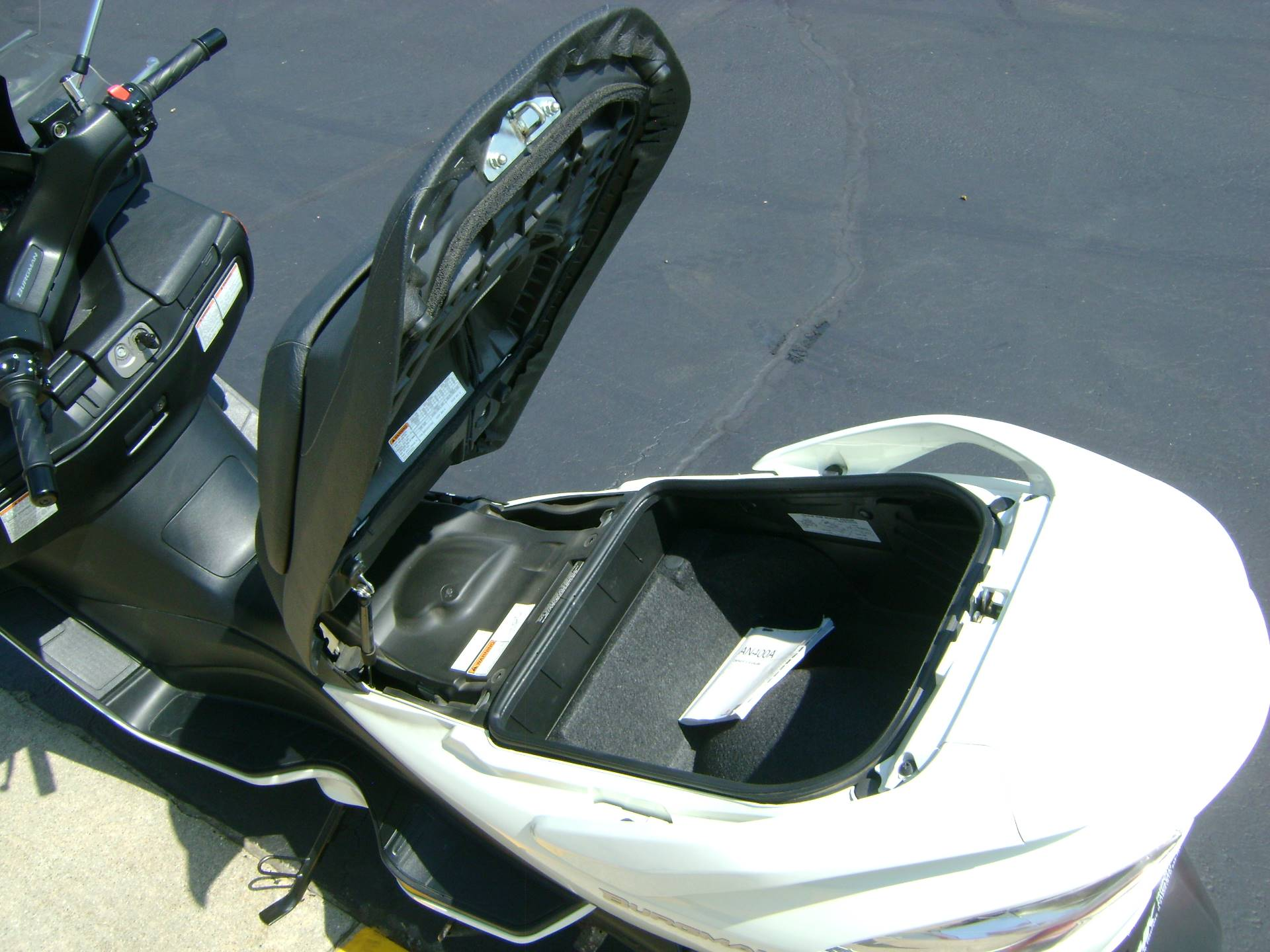 2012 Suzuki BURGMAN 400 ABS in Freeport, Illinois - Photo 13