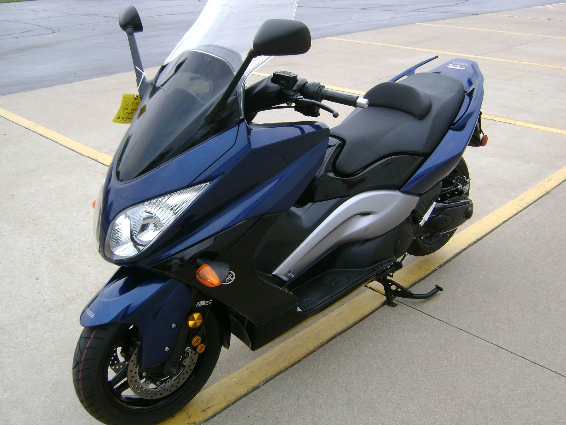 2009 Yamaha TMAX in Freeport, Illinois