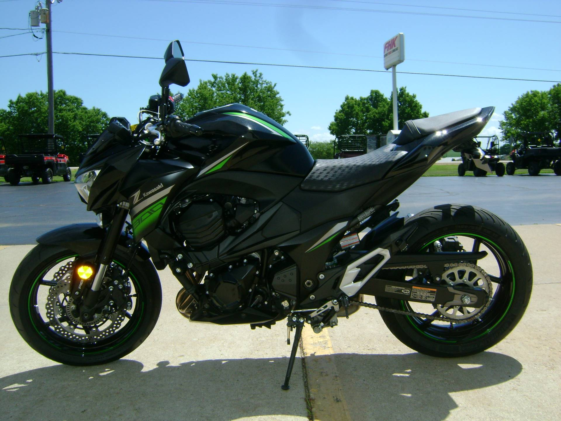 2016 Kawasaki Z800 ABS in Freeport, Illinois - Photo 4