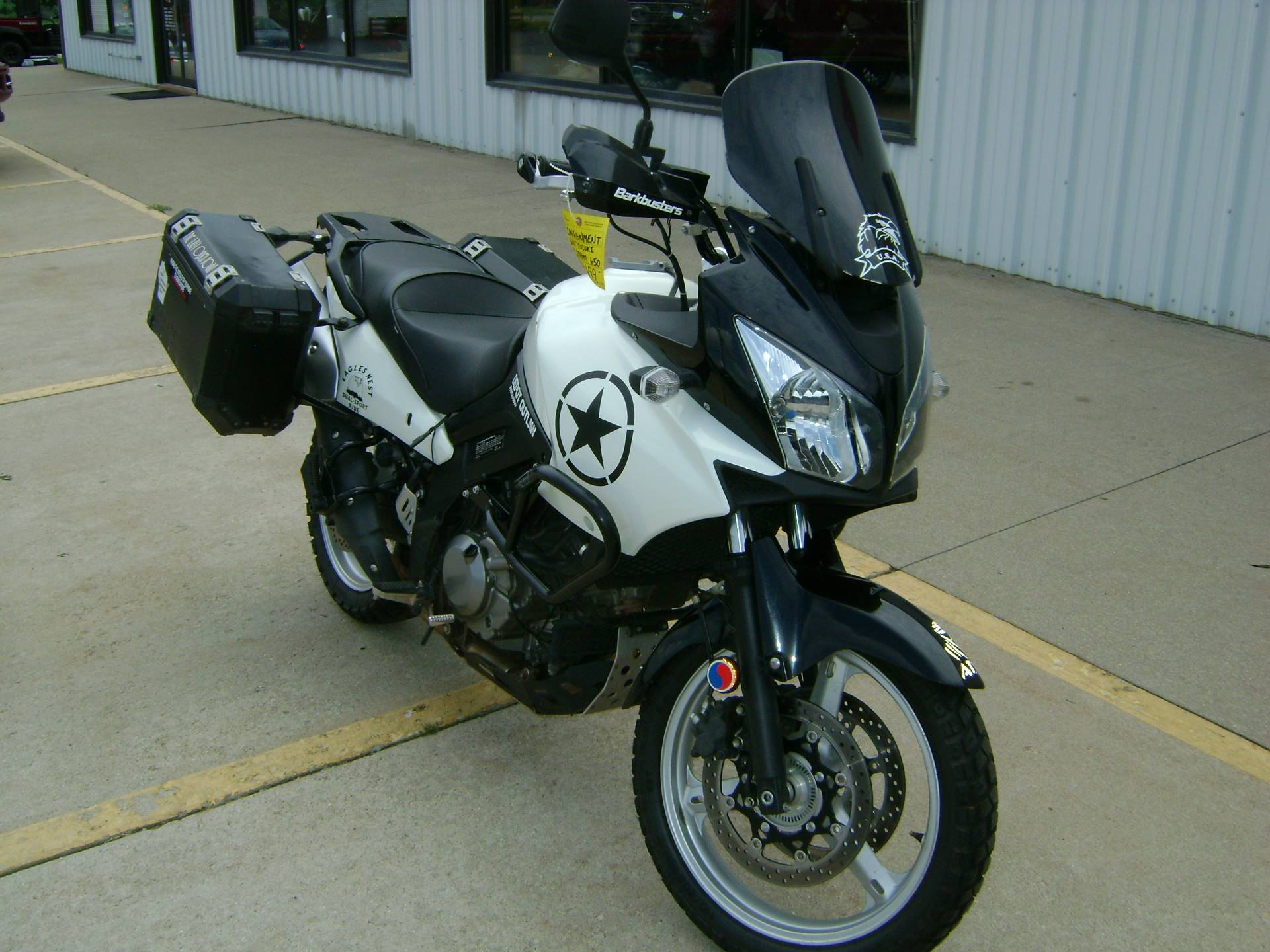 2011 Suzuki V-STROM 650 in Freeport, Illinois - Photo 2