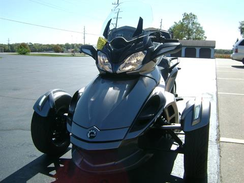 2013 Can-Am SPYDER ST SE5 in Freeport, Illinois - Photo 3