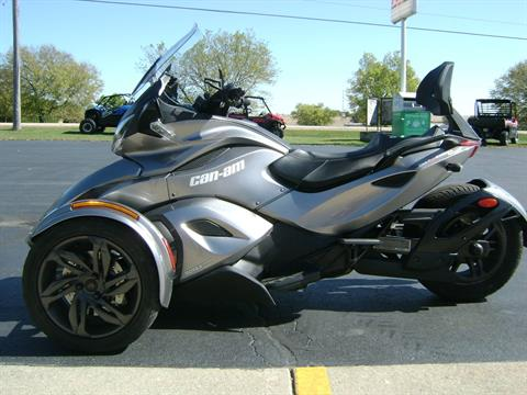 2013 Can-Am SPYDER ST SE5 in Freeport, Illinois - Photo 4
