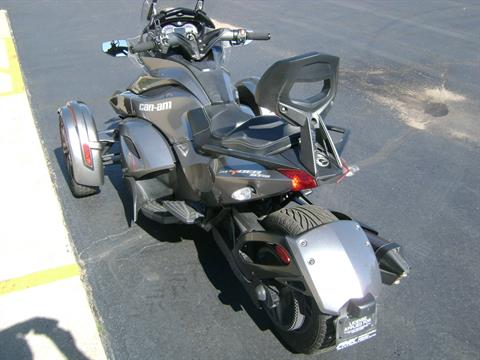2013 Can-Am SPYDER ST SE5 in Freeport, Illinois - Photo 5