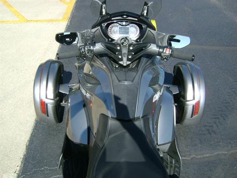 2013 Can-Am SPYDER ST SE5 in Freeport, Illinois - Photo 7