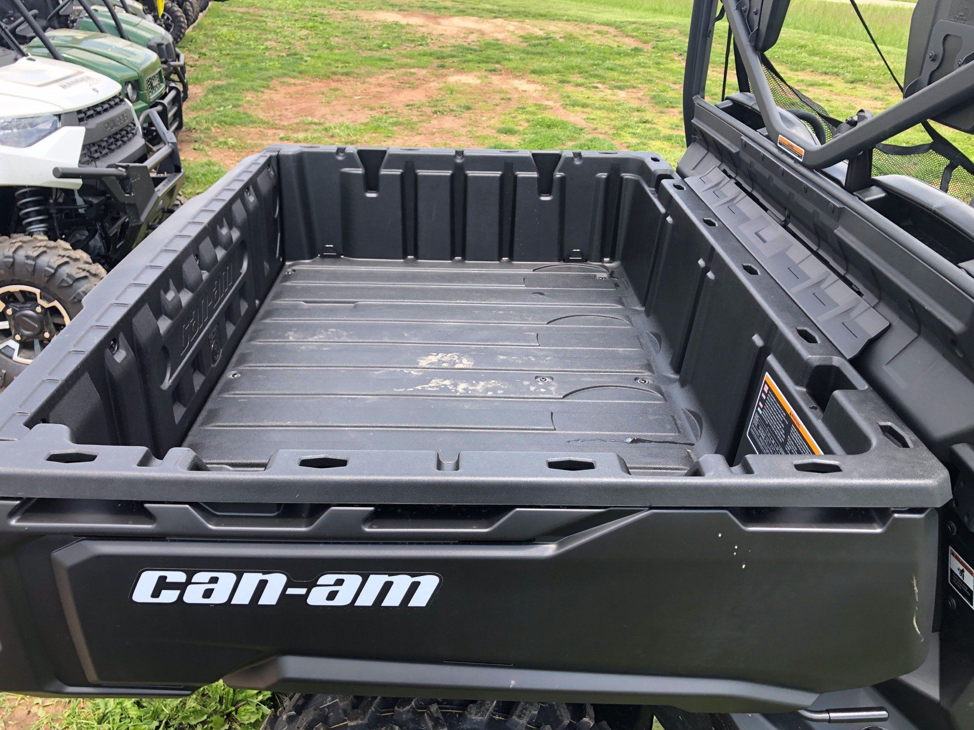 2018 Can-Am™ Defender DPS HD8 4