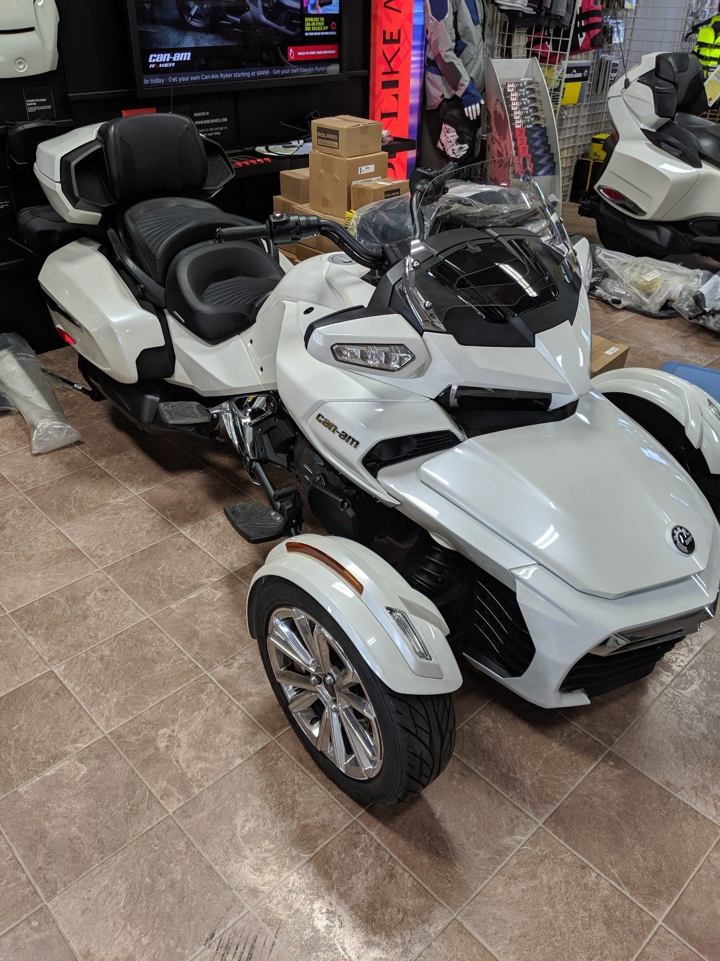 2017 Can-Am Spyder F3 Limited in Farmington, Missouri - Photo 1