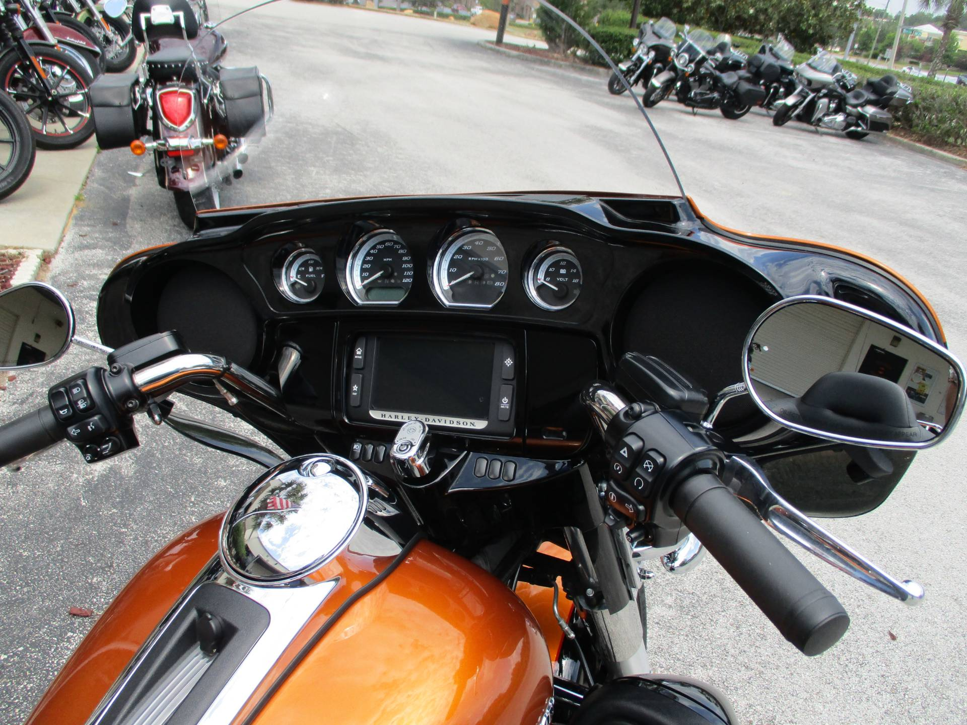 2016 Harley-Davidson Ultra Limited in Clermont, Florida - Photo 3