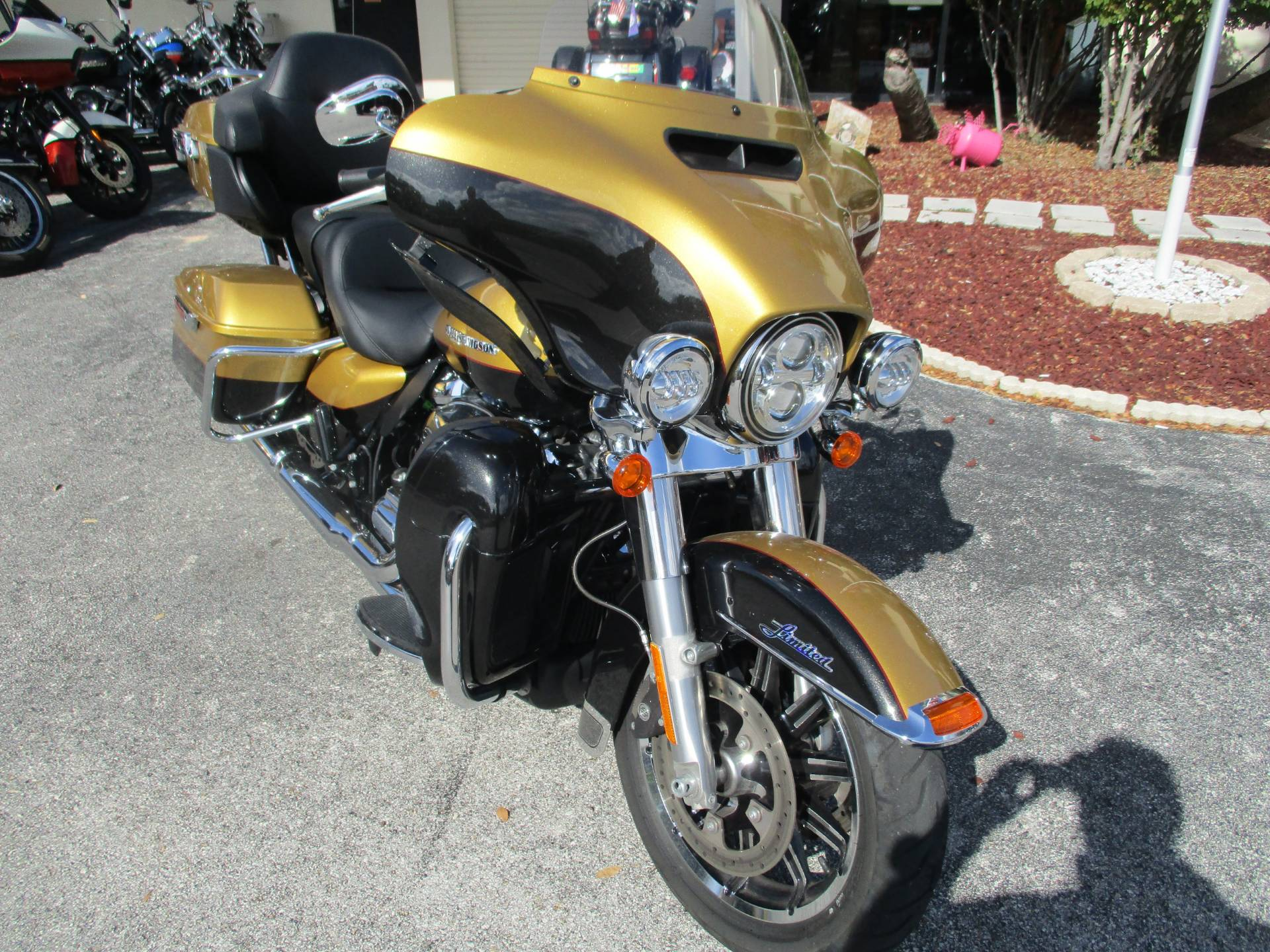 2017 Harley-Davidson Ultra Limited Low in Clermont, Florida - Photo 2