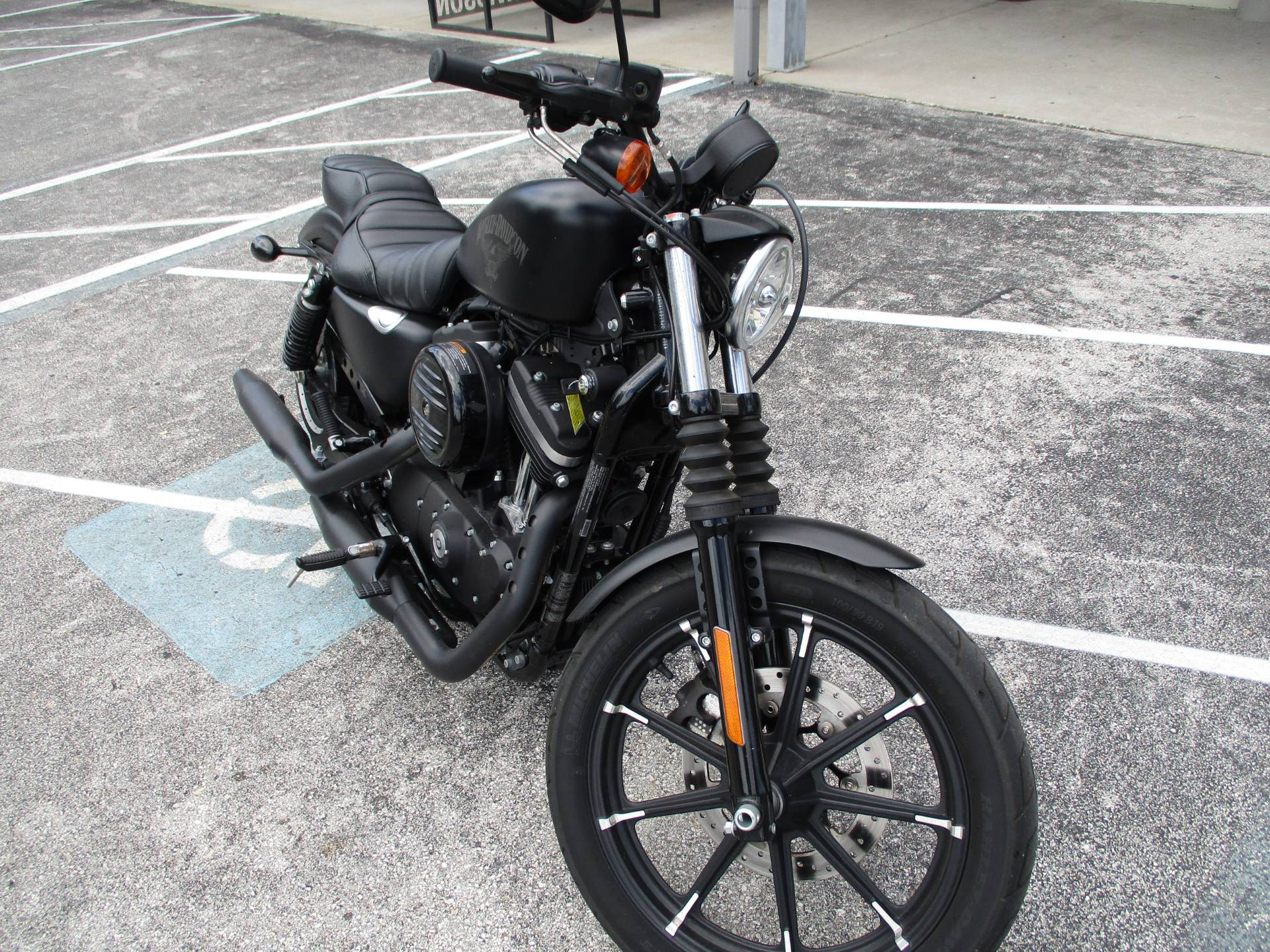2018 Harley-Davidson Iron 883™ in Clermont, Florida - Photo 2