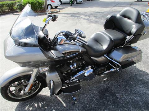 2017 Harley-Davidson Road Glide® Ultra in Clermont, Florida - Photo 13