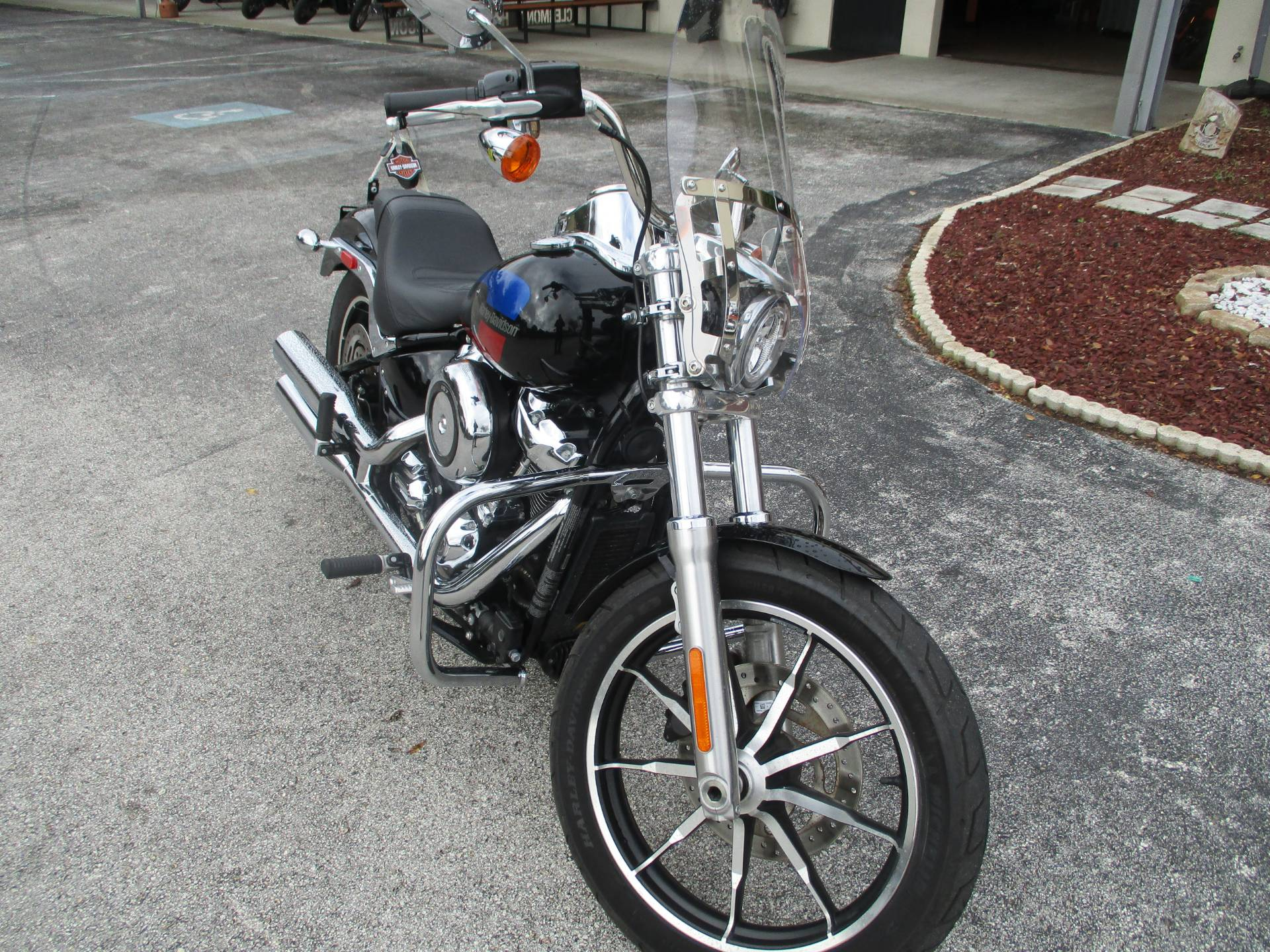 2018 Harley-Davidson Low Rider® 107 in Clermont, Florida - Photo 2