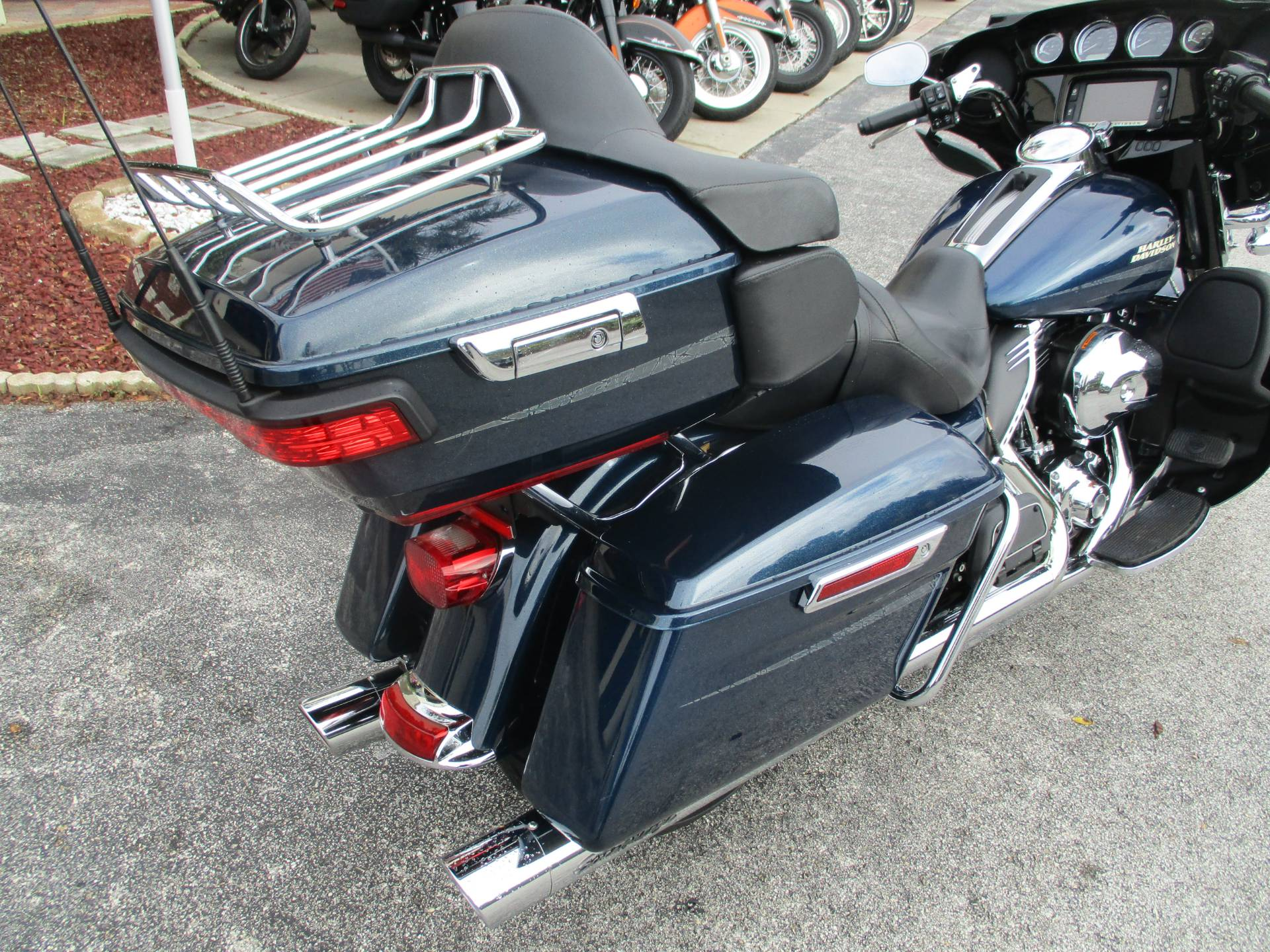 2016 Harley-Davidson Ultra Limited in Clermont, Florida - Photo 4