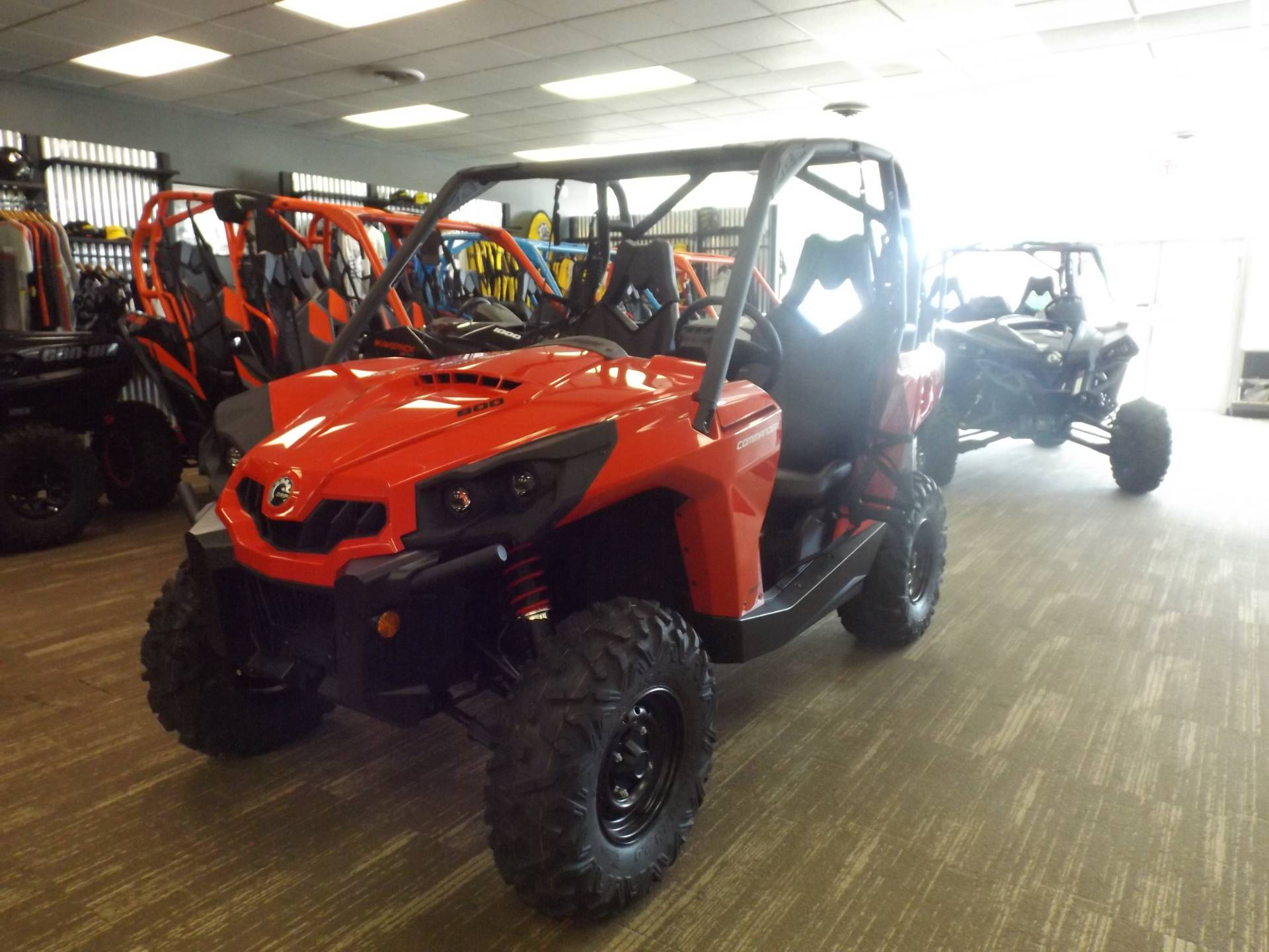 2017 Can-Am Commander 800R in Huntington, West Virginia