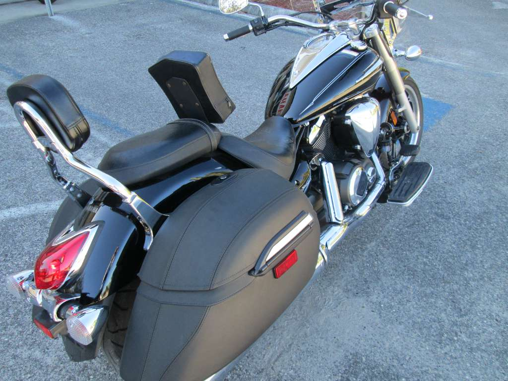 2012 Yamaha V Star 950 Tourer in Brooksville, Florida