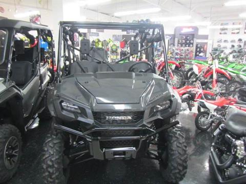 2020 Honda Pioneer 1000-5 Deluxe in Warsaw, Indiana - Photo 2