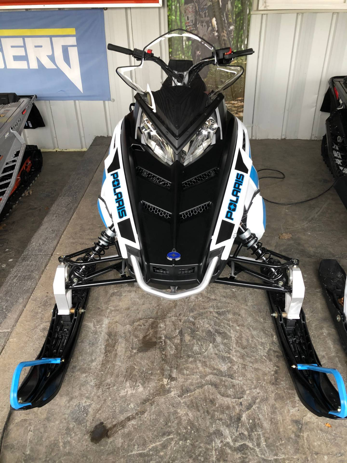 2020 Polaris 600 Indy 121 ES in Troy, New York - Photo 4