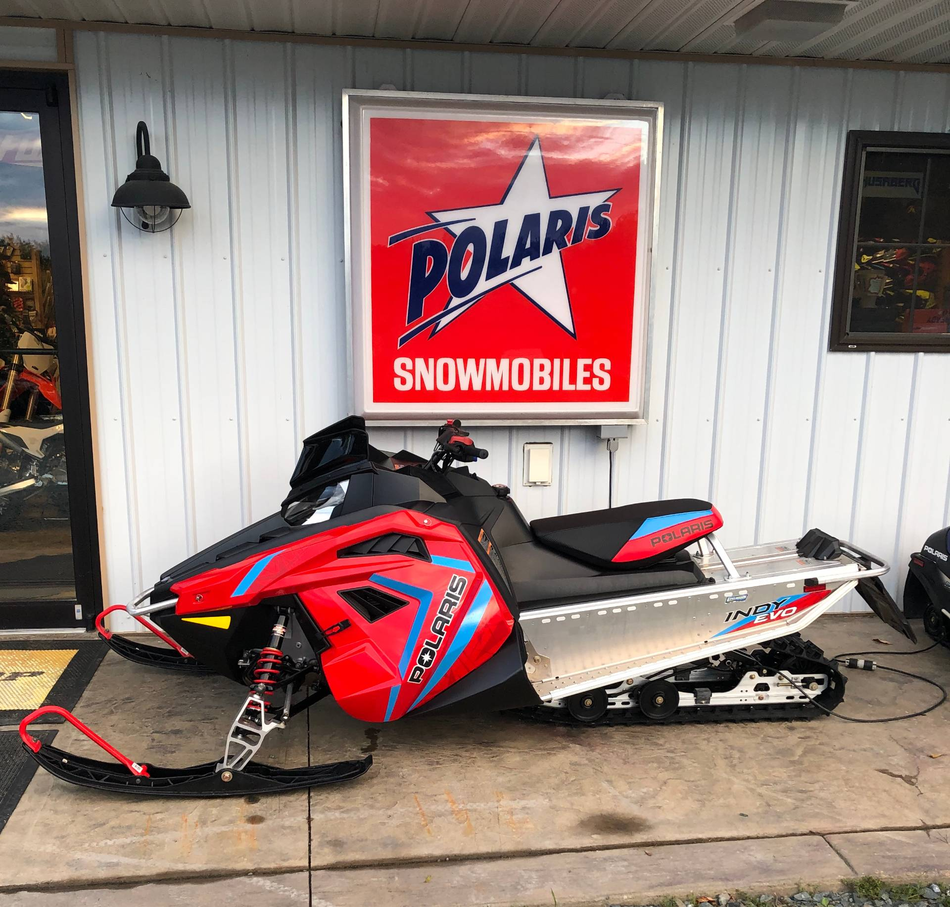 2020 Polaris 550 Indy EVO 121 ES in Troy, New York - Photo 1