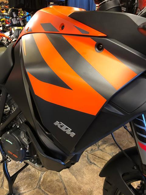 2020 KTM 1290 Super Adventure S in Troy, New York - Photo 9
