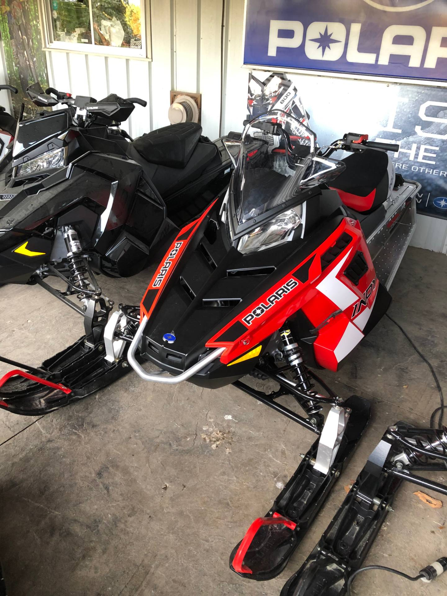 2020 Polaris 550 Indy 121 ES in Troy, New York - Photo 2