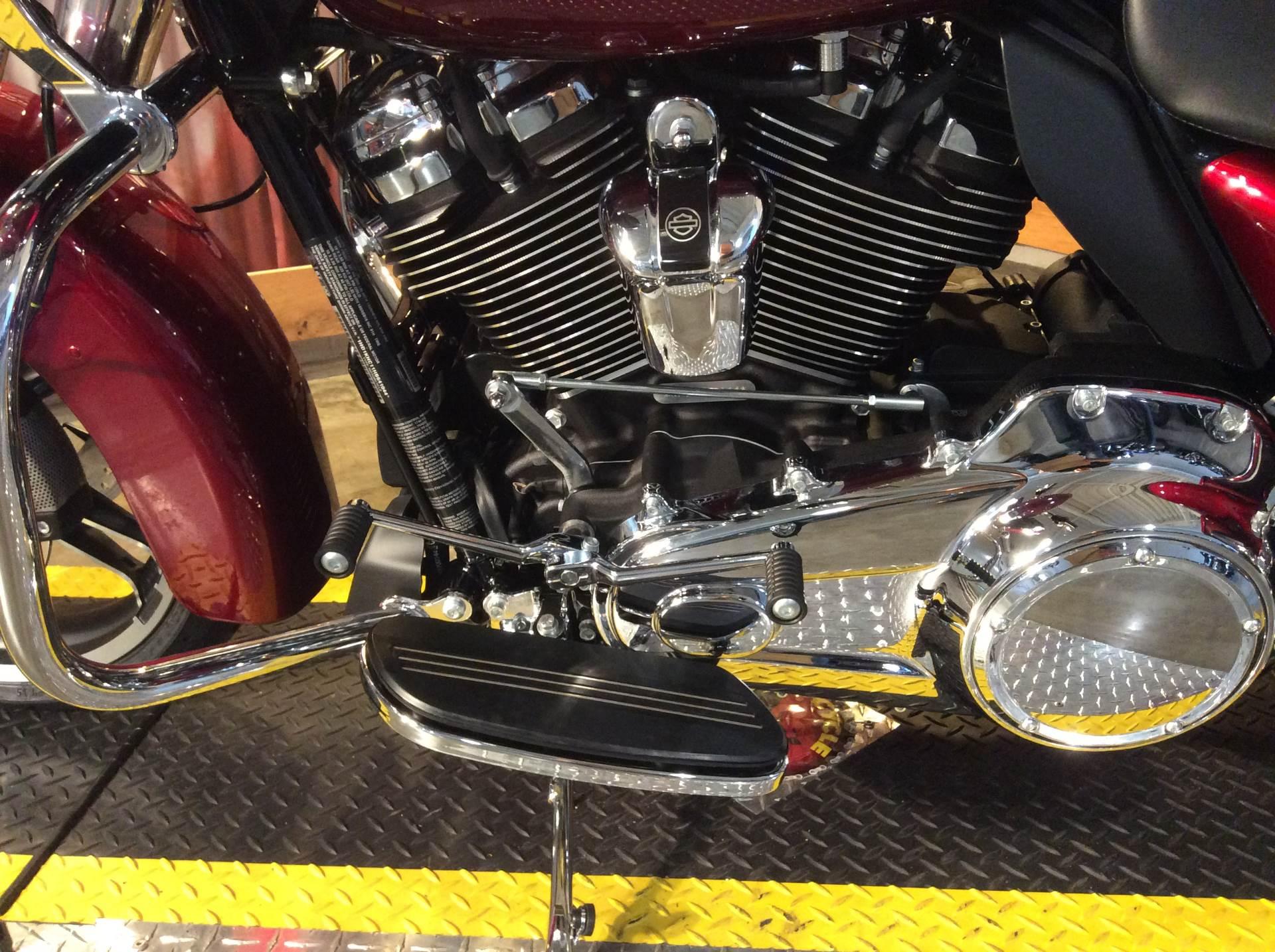 2017 Harley-Davidson Street Glide® Special in Southaven, Mississippi