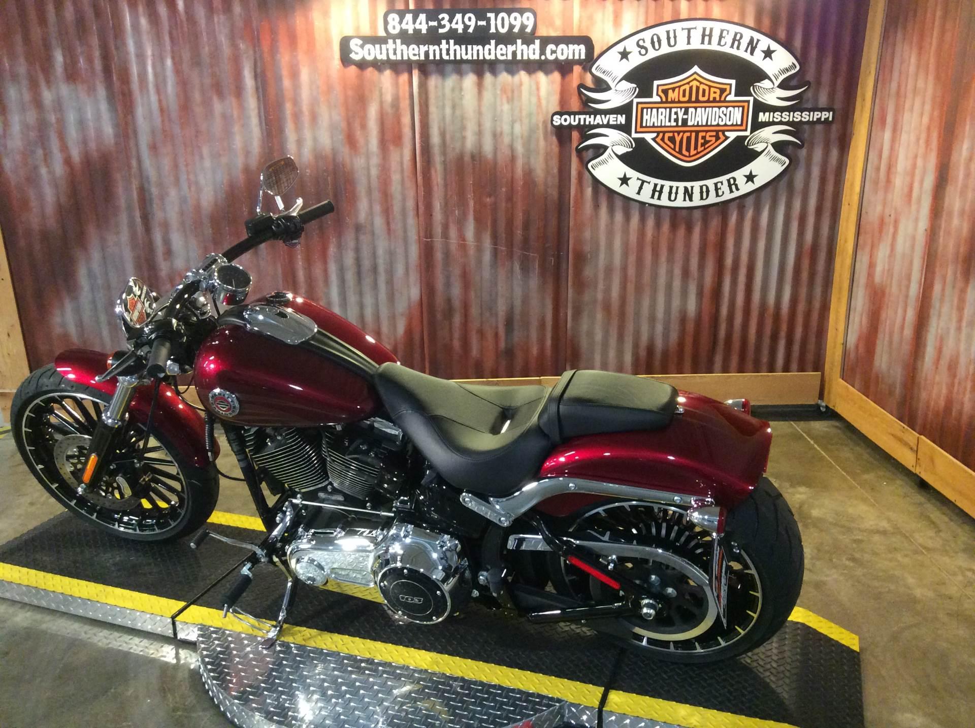 2017 Harley-Davidson Breakout® in Southaven, Mississippi