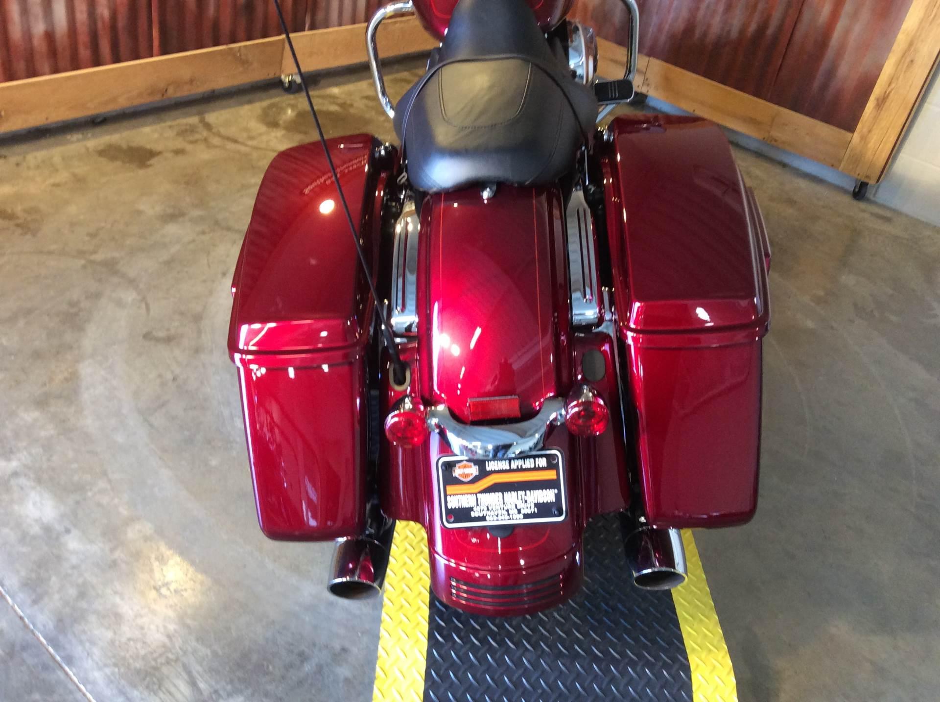 2016 Harley-Davidson Street Glide® Special in Southaven, Mississippi