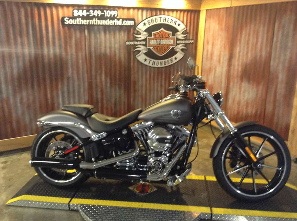 2016 Harley-Davidson FXSB in Southaven, Mississippi