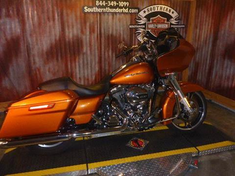 2015 Harley-Davidson Road Glide® in Southaven, Mississippi