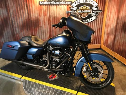 2018 Harley-Davidson 115th Anniversary Street Glide® Special in Southaven, Mississippi