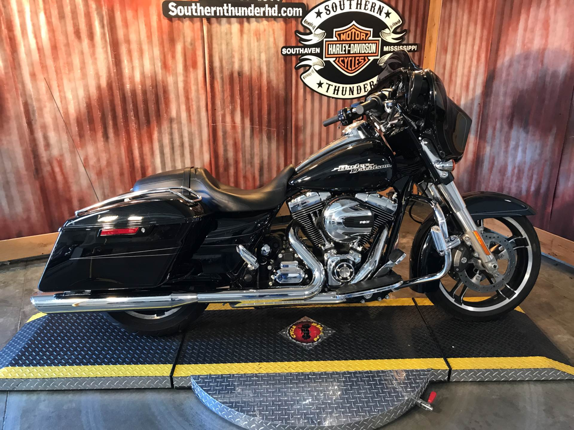 2014 Harley-Davidson Street Glide® Special in Southaven, Mississippi