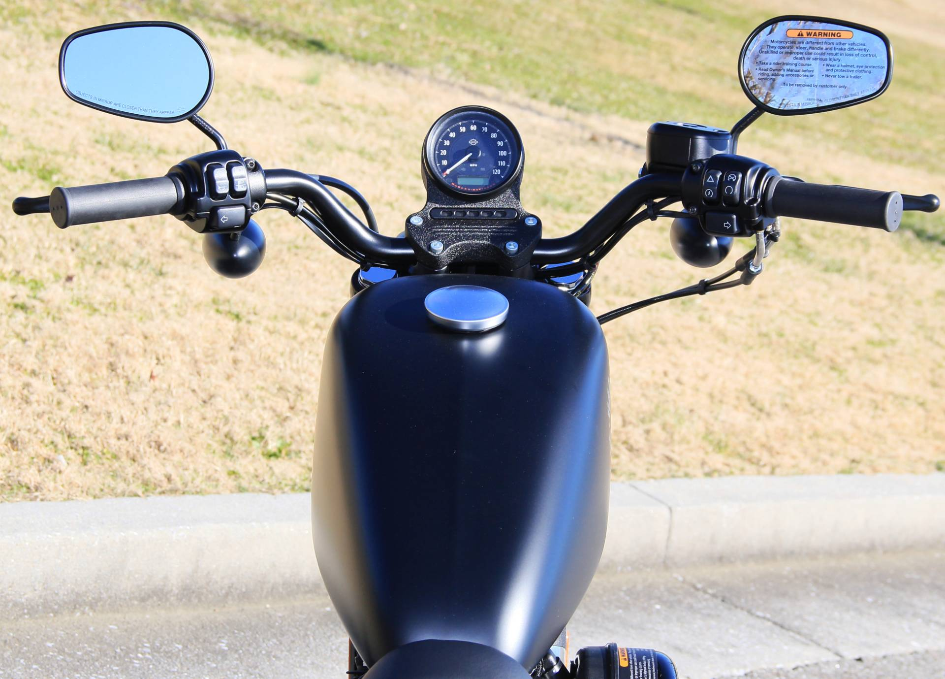 2020 Harley-Davidson Iron 883 in Cartersville, Georgia - Photo 8