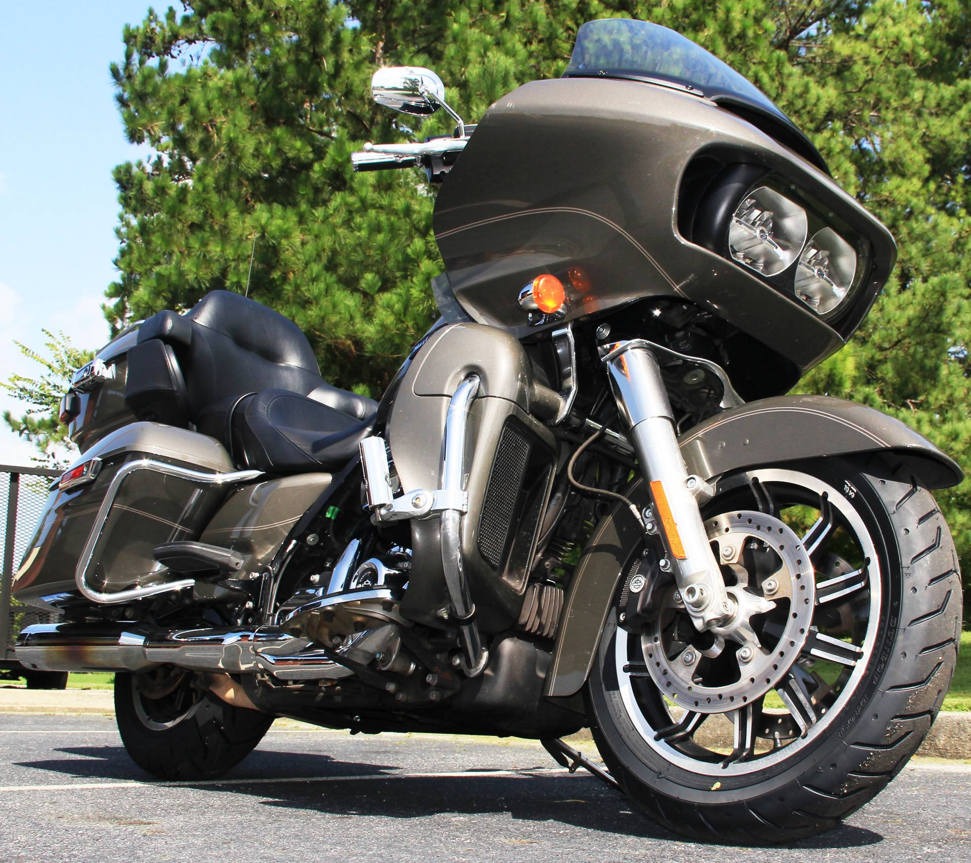 2018 Harley-Davidson Road Glide Ultra in Cartersville, Georgia - Photo 2