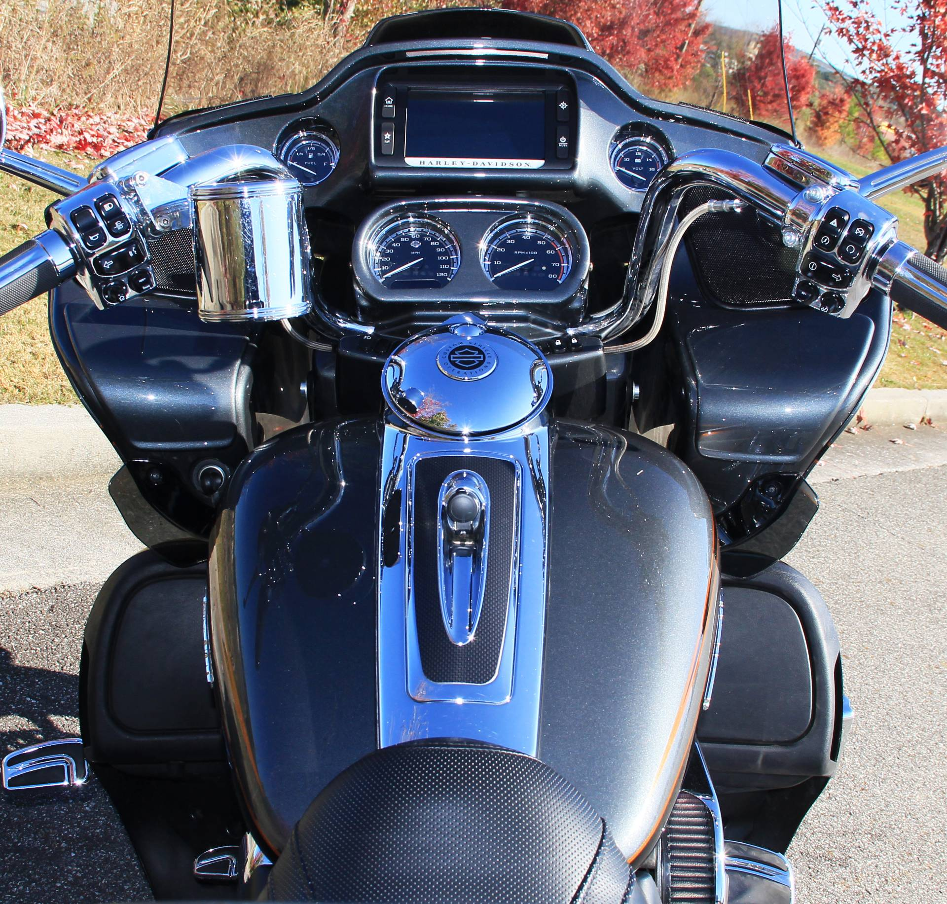 2016 Harley-Davidson Road Glide Ultra CVO in Cartersville, Georgia - Photo 7