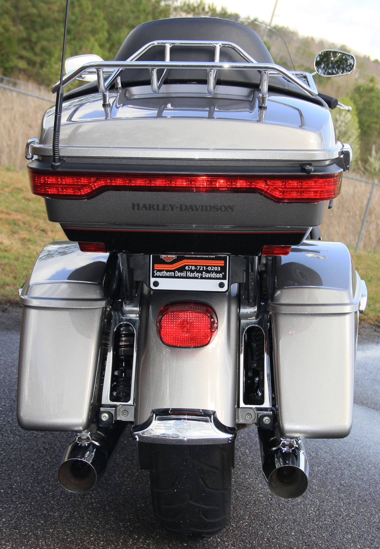 2017 Harley-Davidson Road Glide Ultra in Cartersville, Georgia - Photo 5