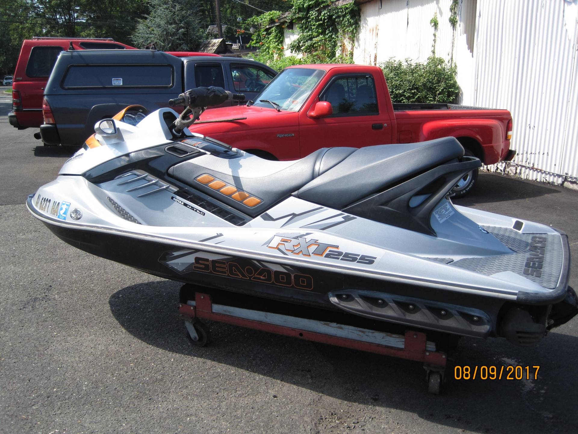 2009 Sea-Doo RXT™-X 255 in Metuchen, New Jersey - Photo 2