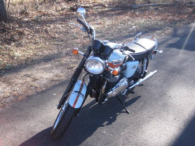 2009 Triumph Bonneville SE in Metuchen, New Jersey - Photo 3