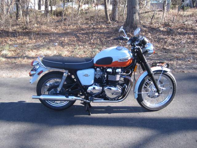 2009 Triumph Bonneville SE in Metuchen, New Jersey - Photo 8