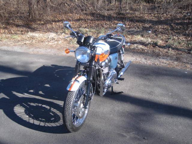 2009 Triumph Bonneville SE in Metuchen, New Jersey - Photo 11