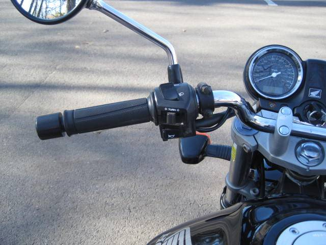 2009 Triumph Bonneville SE in Metuchen, New Jersey - Photo 19