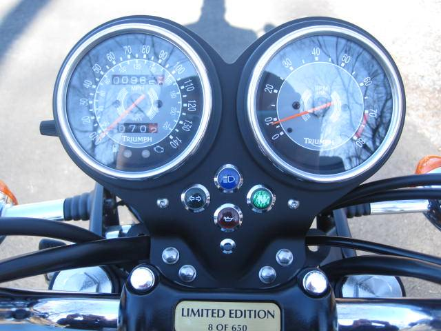 2009 Triumph Bonneville SE in Metuchen, New Jersey - Photo 24