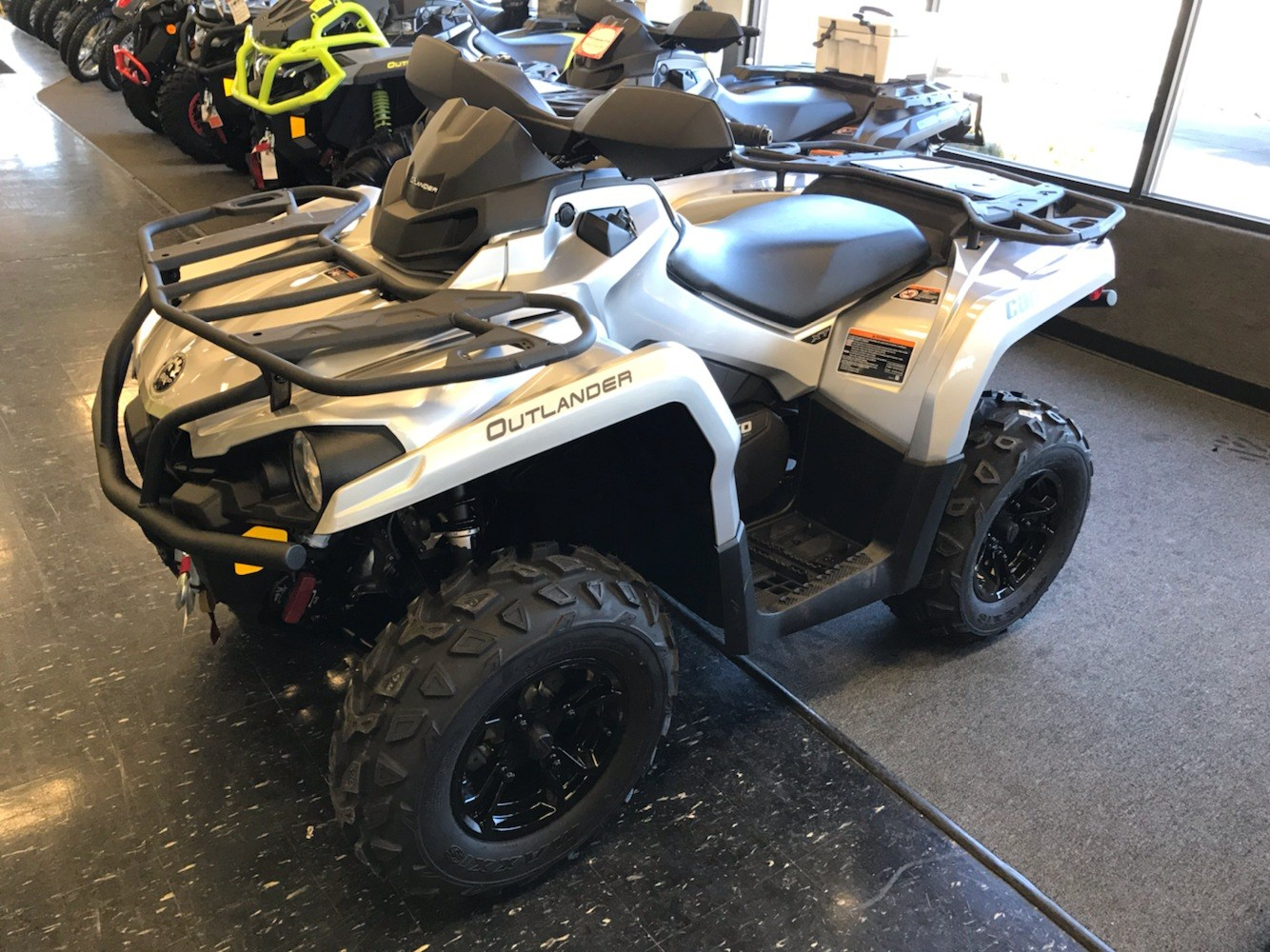 2020 Can-Am Outlander XT 570 in Cohoes, New York - Photo 1